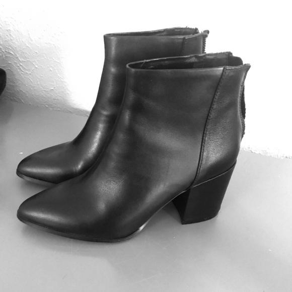 bde017c4e Steve Madden Shoes | Jillian Black Bootie Size 7 | Poshmark